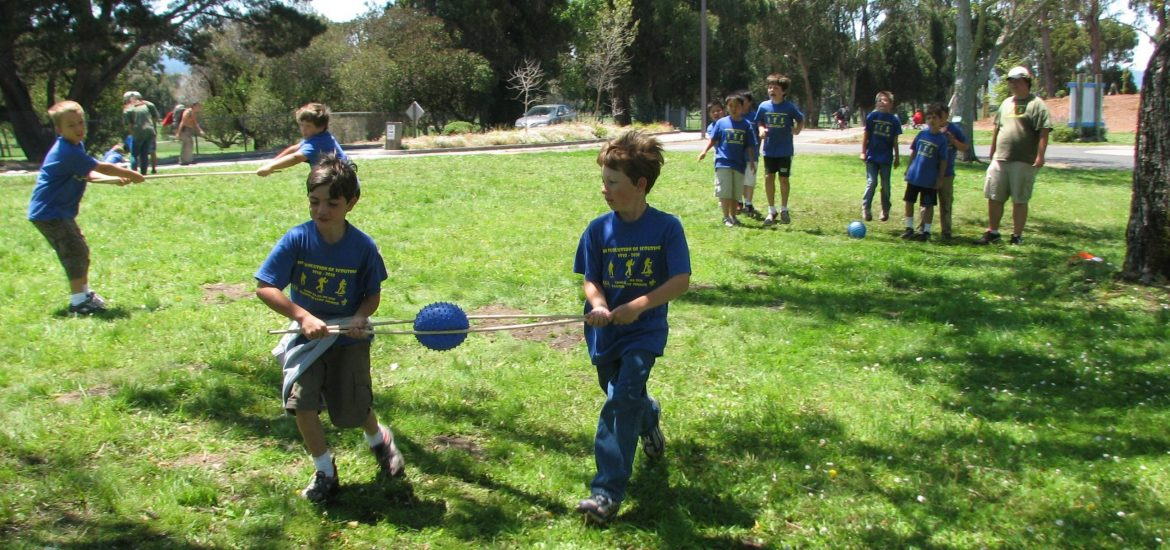 Day Camp cooperation ball game